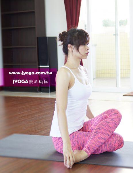 台南JYOGA樂活瑜珈-瑜珈教學-牛面式
