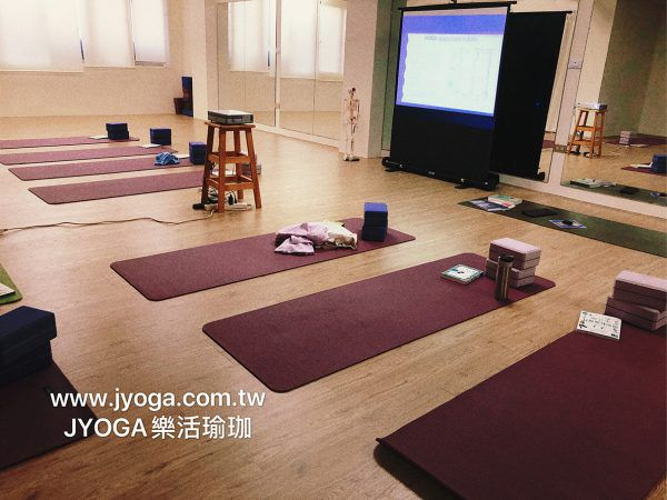 瑜珈教室-團體課程